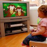 У кадрі й поза ним: родина і телебачення