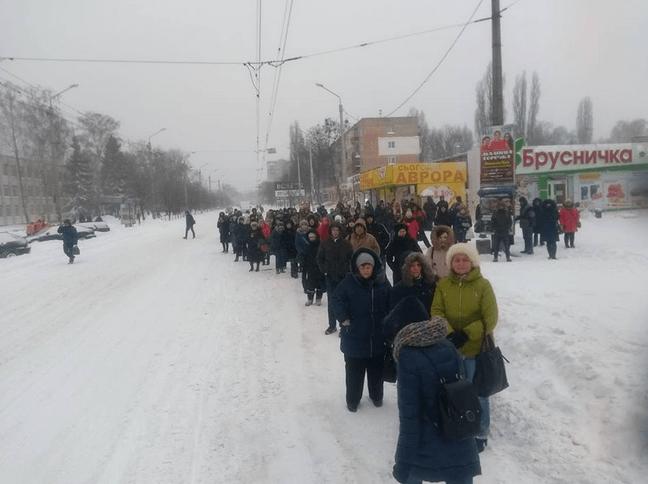 Зима усміхнулася на прощання… і полтавці не доїхали на роботу