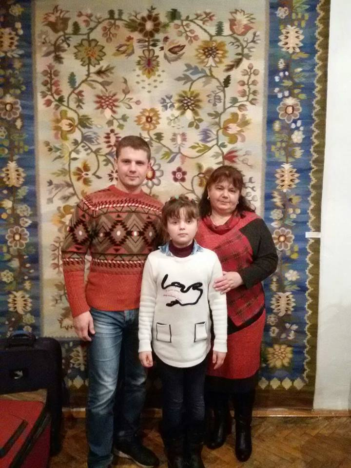 Вакуленко з сином та внучкою