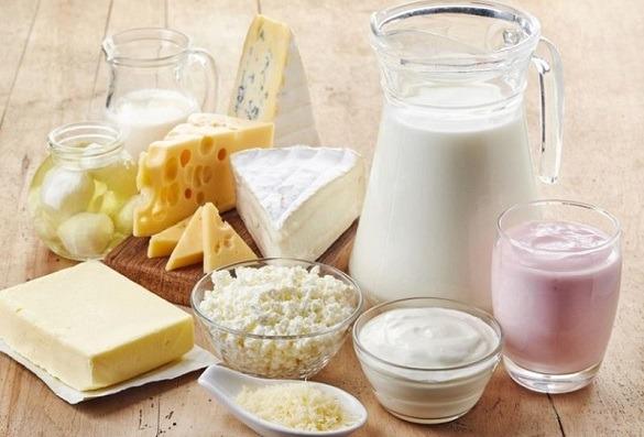 Хто зупинить брудний потік молочних рік Перевіряти підприємства будуть, але якість харчових продуктів поліпшиться не скоро