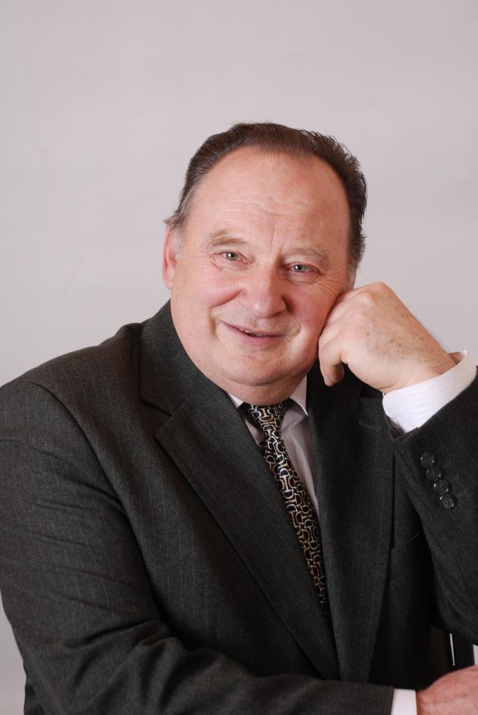 Максим Макарович Потяженко