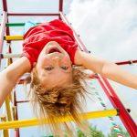 Як вберегти малюка від травм на дитячому майданчику
