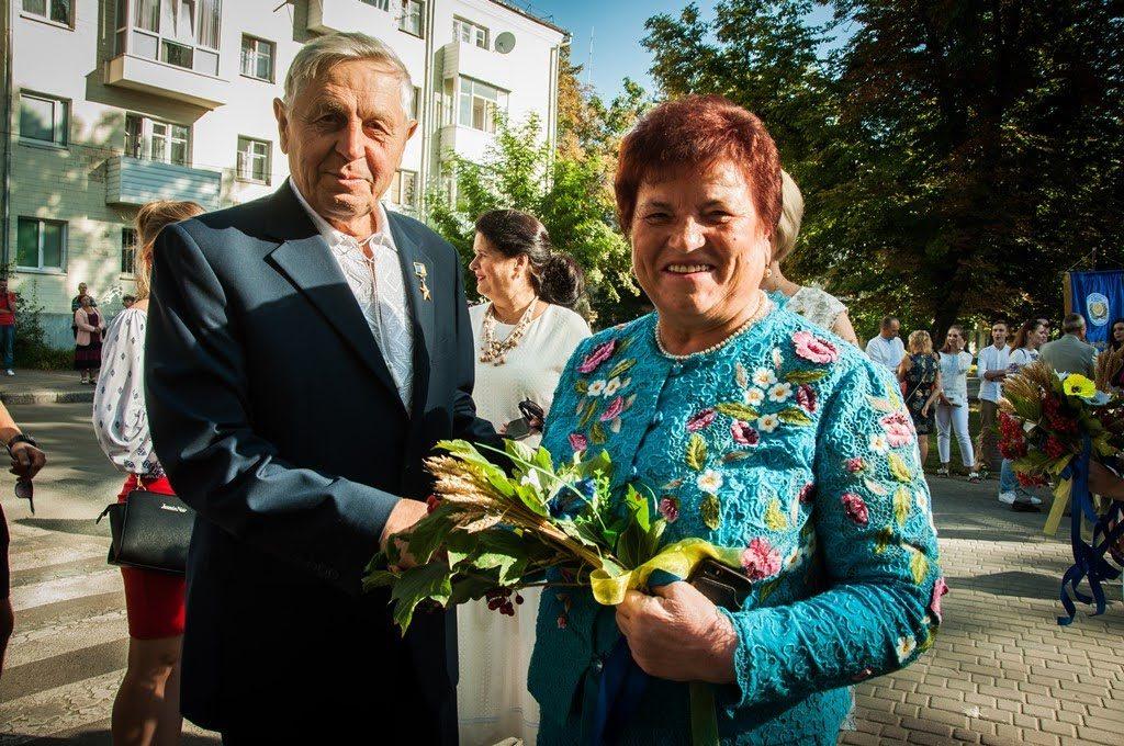 """""""Всім серцем любіть Україну свою – і вічні ми будемо з нею!"""""""