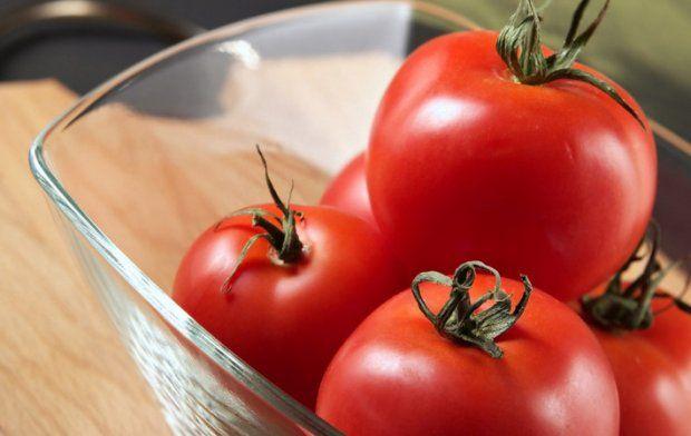 Свіжі помідори корисні не всім