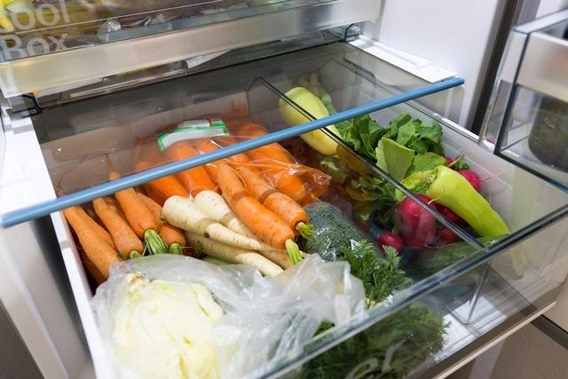 Зберігаємо овочі, фрукти й зелень правильно