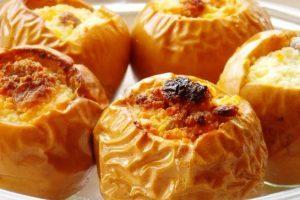 Печені яблука: на здоров'я ласунам