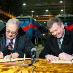 Крюківські вагонобудівники передали першу партію піввагонів Єристівському ГЗК