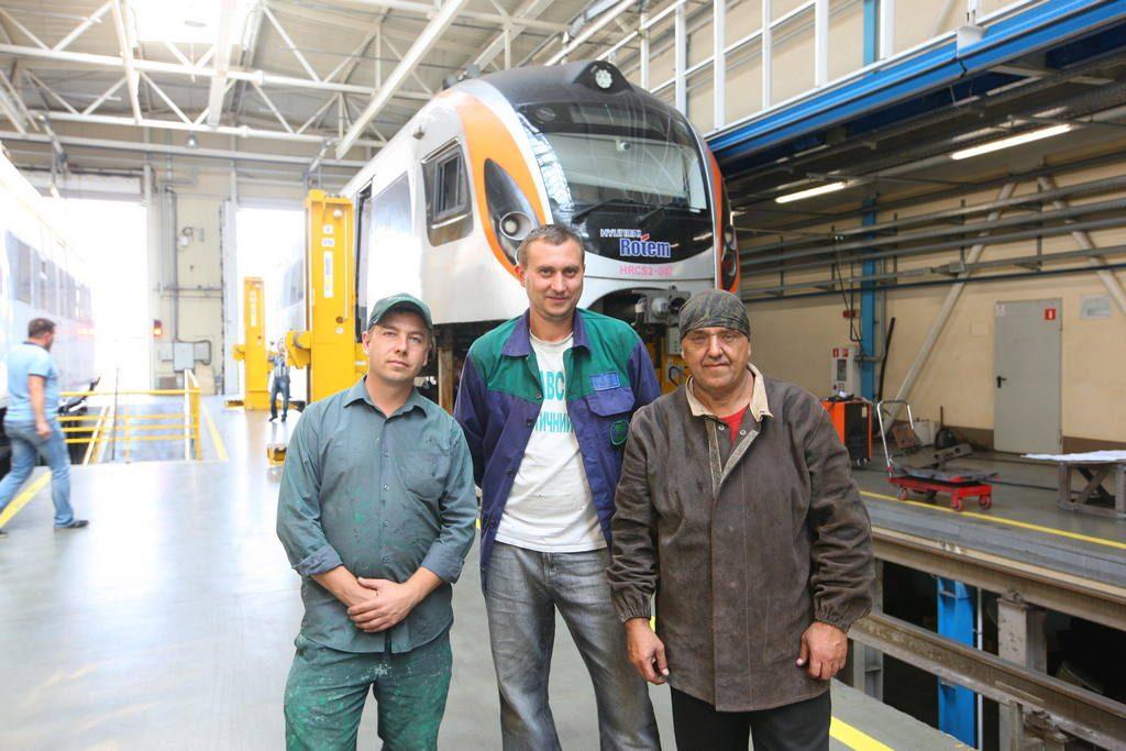 КВБЗ надав швидку технічну допомогу поїзду корейського виробництва