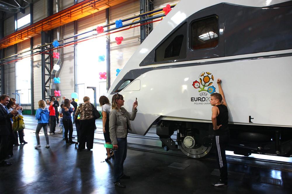 До ювілею КВБЗ готується виставка пасажирських вагонів