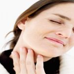 Болить горло: коли потрібно обов'язково звернутися до лікаря