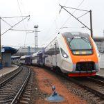 Дизель-поїзд ДПКр-3 виробництва КВБЗ стабільно працює на маршруті  Київ Бориспіль Експрес