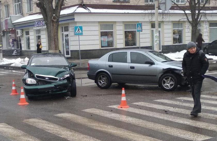 У Полтаві розпочали системне встановлення світлофорів на небезпечних перехрестях