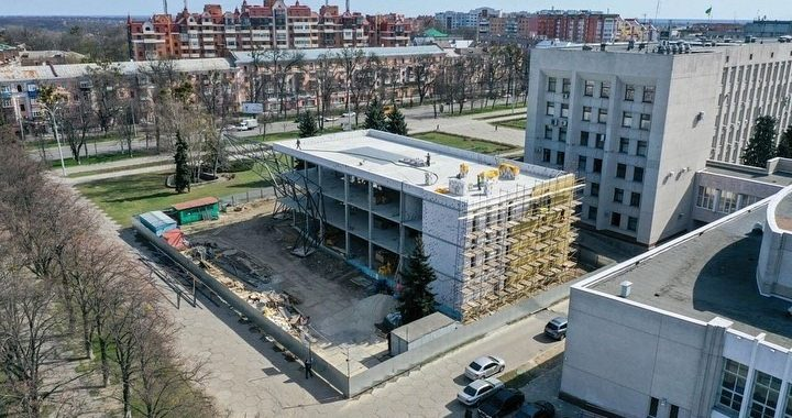 Будівництво нових об'єктів не припинятиметься