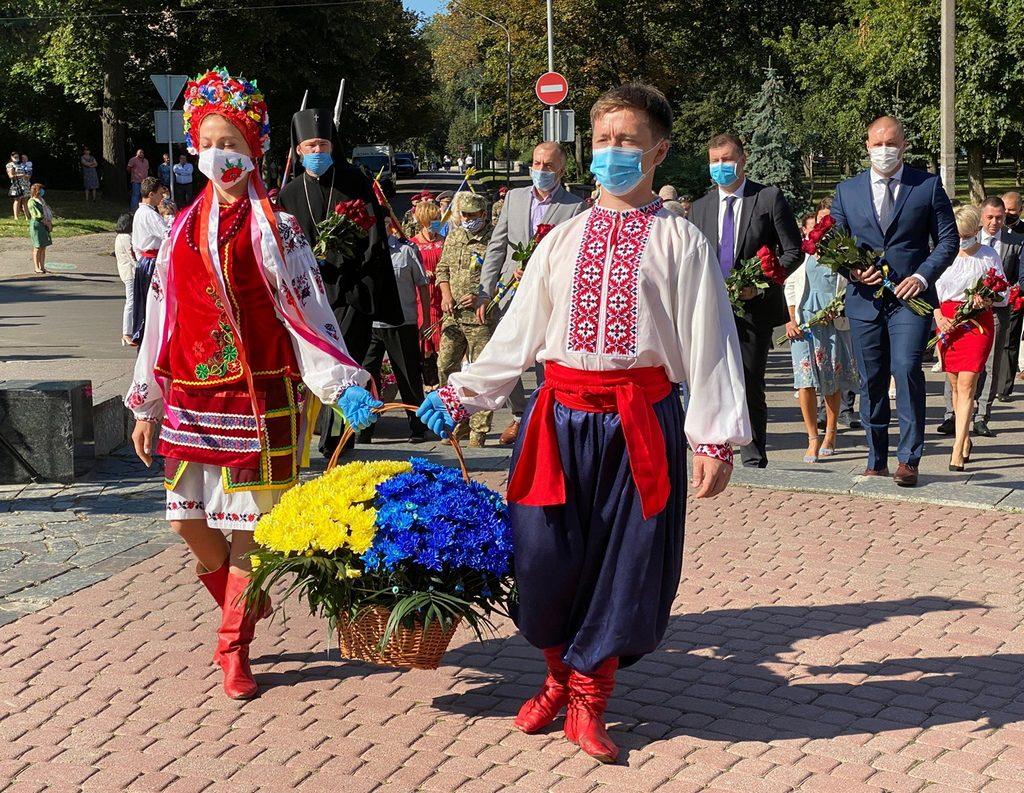 Головні державні святкування:  полтавський вимір