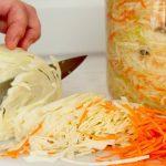 Осіння вітамінна рекордсменка:  смачна й корисна квашена капуста