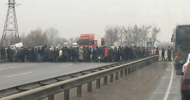 На Полтавщині та в кількох  областях України відбулися акції  протесту проти підвищення  комунальних тарифів