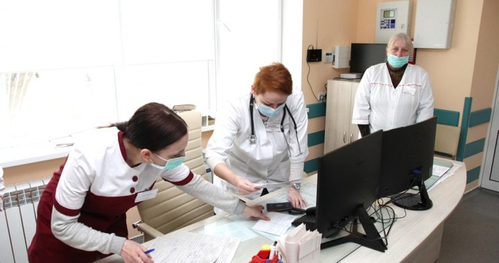 Обстежують швидко, на місці У Полтаві працює нове приймальне відділення лікарні