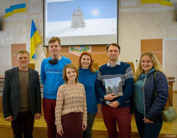 Дерев'яна церква як український образ краси