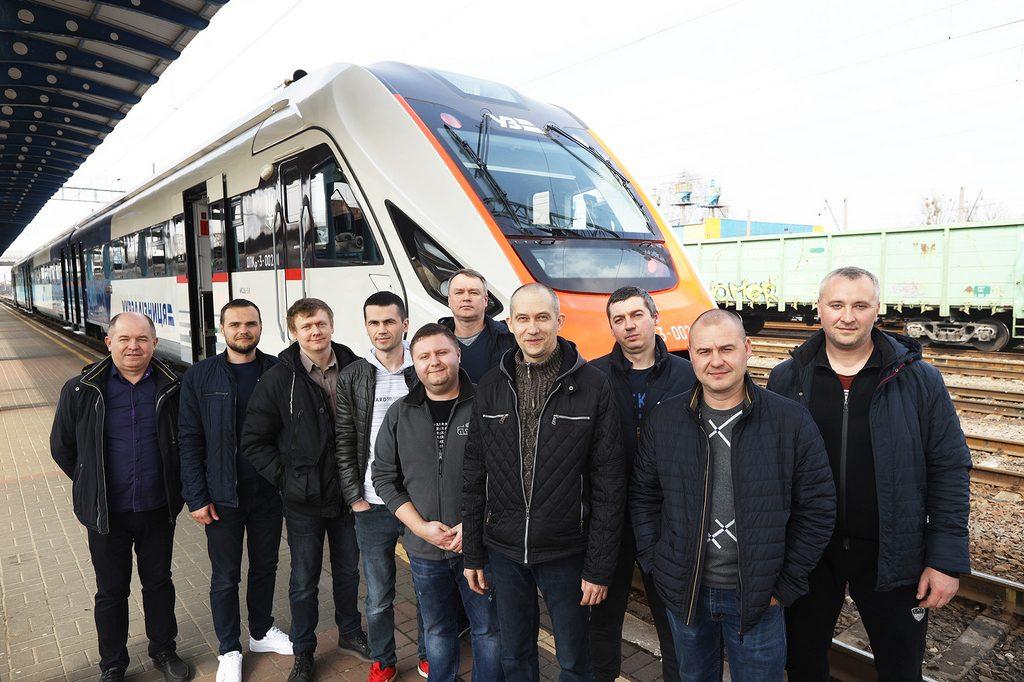Дизель-поїзд ДПКр-3-002 виробництва КВБЗ  пройшов випробування на Південній залізниці