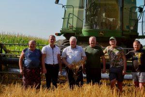 Зерно в коморі – нагорода за роботу
