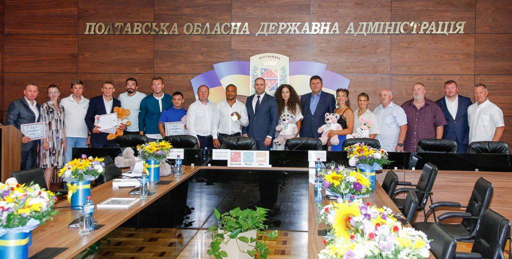 Медалісти й учасники Олімпіади, які представляли наш край, отримали грошові премії