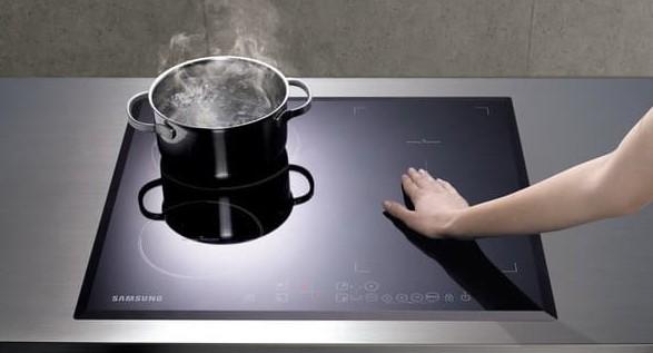 Склокерамічна плита: переваги й недоліки